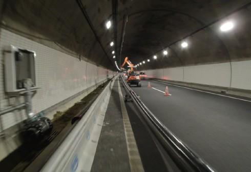 施工例(トンネル消火設備配管)