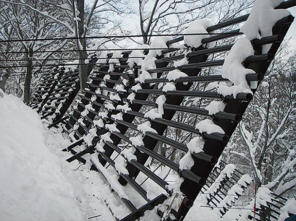 吊柵式スノーガード