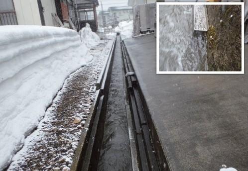 既存の水路に取り付けて流雪効果を高める