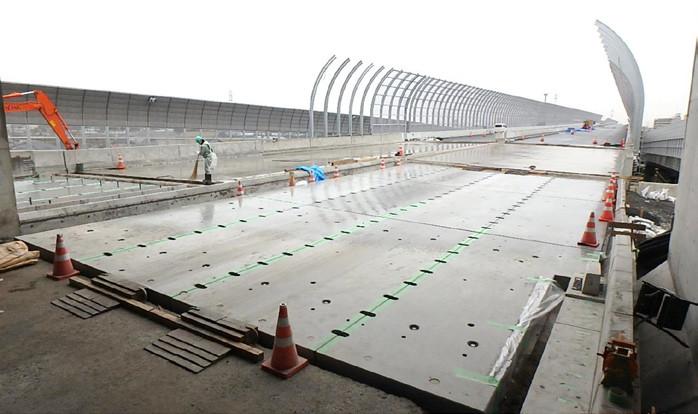 プレキャスト工法東京外環自動車道
