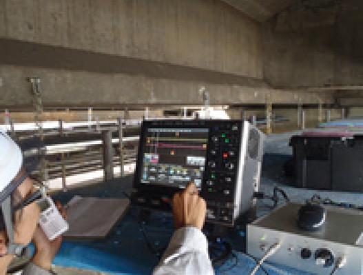 横締めPCグラウト充填調査現場作業例