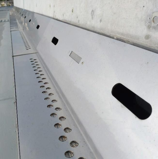 Gブロックドレイン S-plus施工写真(沖縄南風原バイパス北丘高架橋)