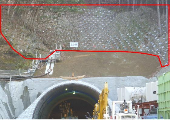 トンネル坑口の法面対策工事