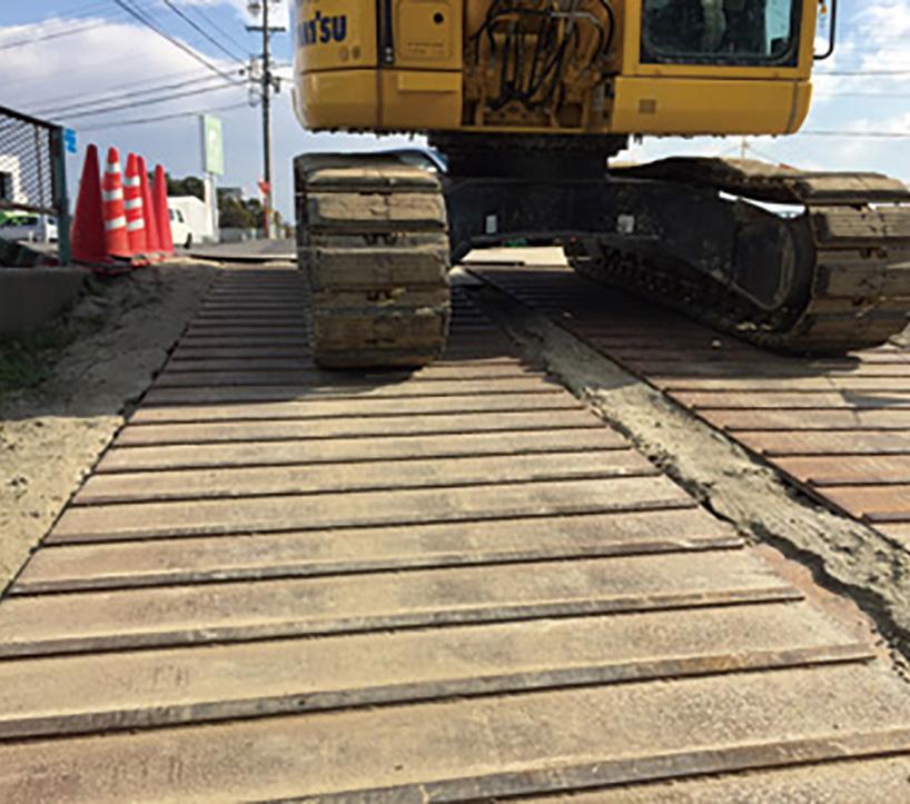 フラットバー付敷鉄板施工例