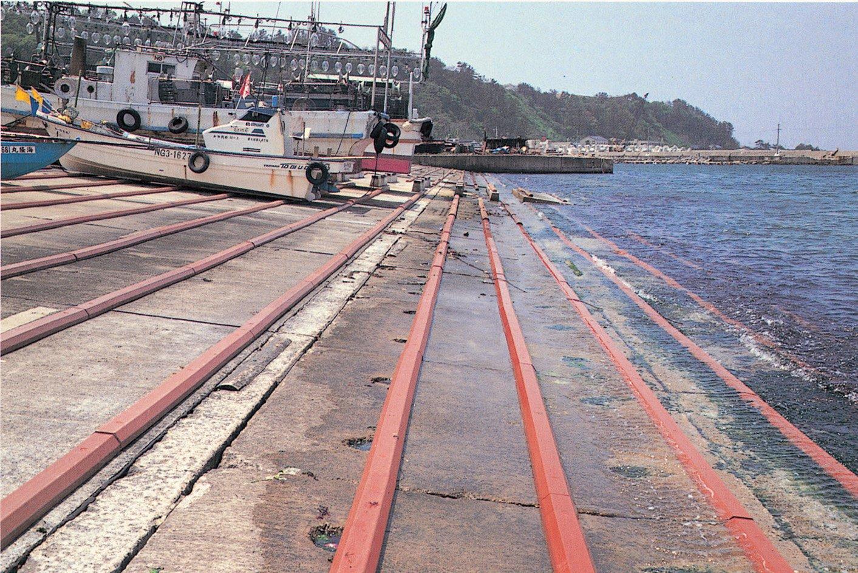 シラ材SH型 船揚げ場斜路滑り材