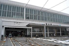 写真-1 新しく整備された富山駅