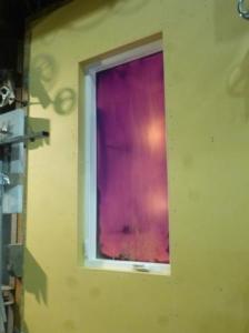 ケースメントウィンドウ(縦滑り出し窓)