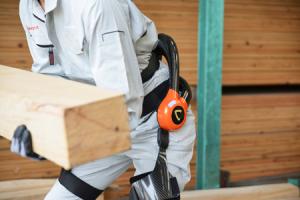 職方の作業負荷を低減する『ロボットスーツHAL® 作業支援用(腰タイプ)』