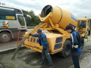 イタリア製の四輪駆動自走式コンクリートプラント『CARMIX』