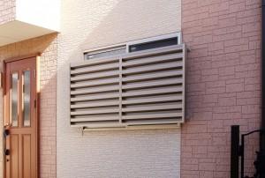 セイキ販売が戸建住宅向け引き違い窓用目隠し『通風・採光目かくし SPA型』を発売