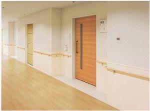不燃で大臣認定を取得した壁面保護にも寄与する腰壁シート『東リ 不燃腰壁シート』