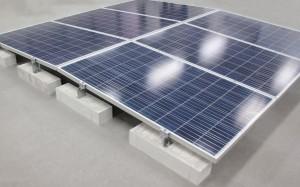 エクソルが太陽光発電システムの陸屋根専用架台『X-3(エックススリー)』を発売