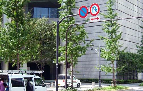 塗装柱(亜鉛めっき柱の工場塗装製品) オーバーハング