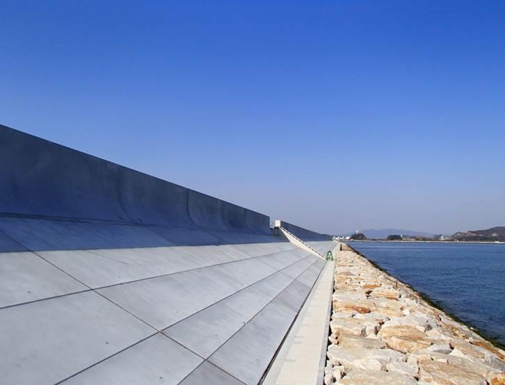 プレキャスト高潮堤防護岸工法